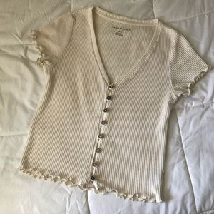 cream lettuce edge top